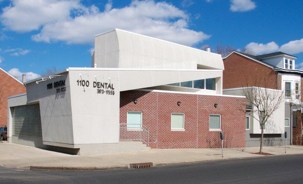 1100 dental - El edificio 1100 DENTAL es un espacio de trabajo compartido para dos consultorios dentales separados: el Dr. Kotsopey y los Dres. Santucci y Weiss. Al trabajar de manera independiente, las dos prácticas pueden compartir conocimiento, experiencia, equipamiento y brindar servicios adicionales a sus pacientes.