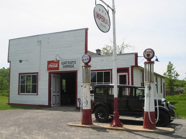 Gas-Station&Durant.jpg