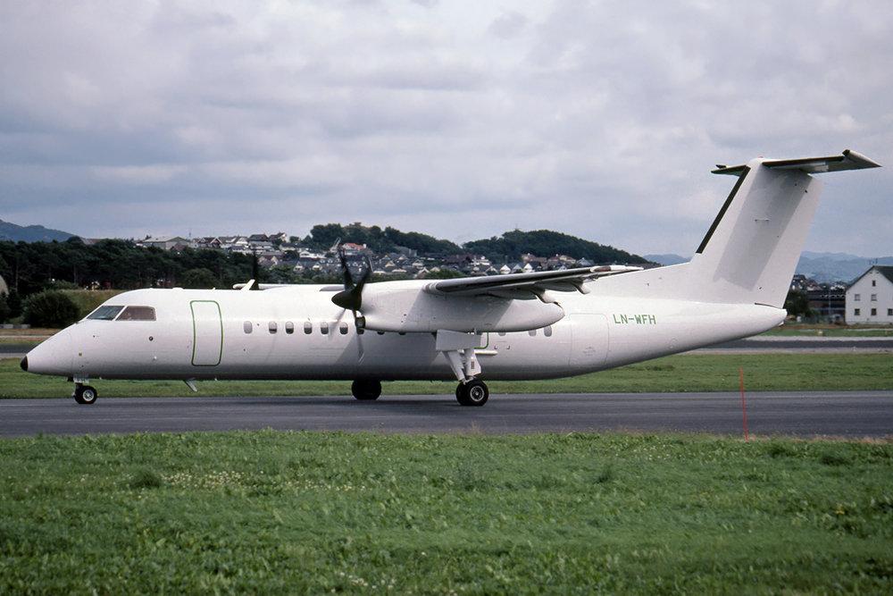 JPG1024_DHC_DHC-8_LN-WFH_238_RUBEN_HUSBERG_STAVANGER_MAY-2001_WIDEROE.jpg