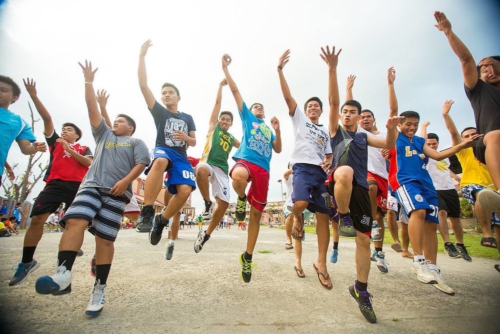 Youth in the Philippines participate in a one-day sports clinic lead by Global Sports Mentoring Program alum Geraldine Bernardo.   Photo courtesy of Center for Sport, Peace, and Society at the University of Tennessee.  2014