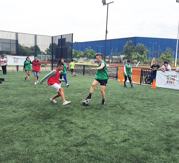 Sports Envoy and former U.S. Women's National Team member, Joanna Lohman, scrimmages with youth in Argentina.  2015