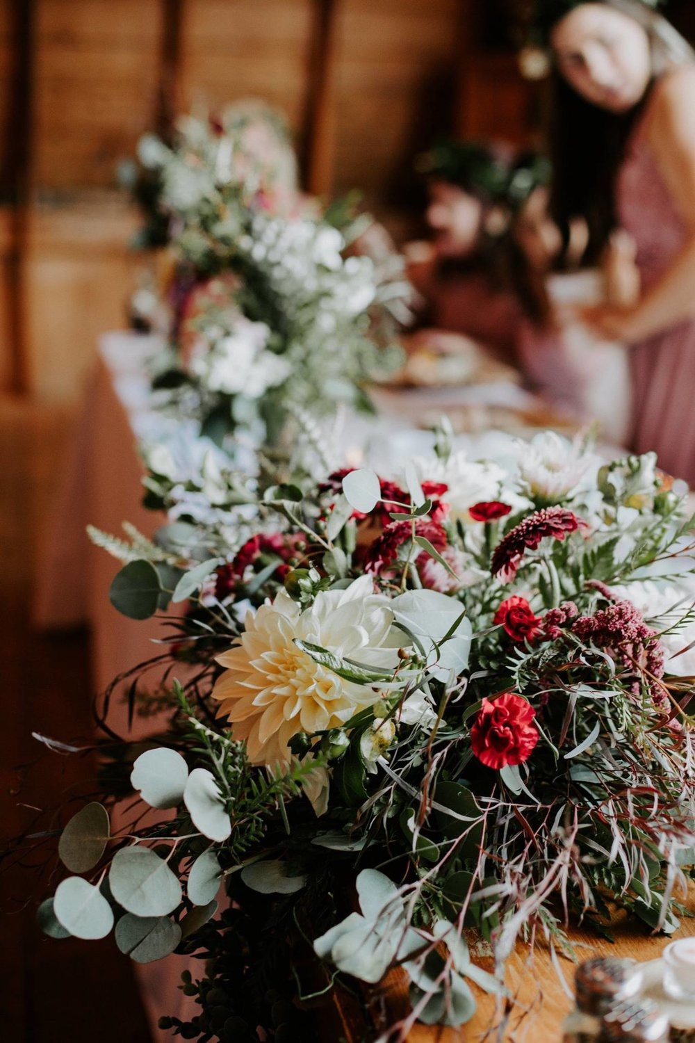Photo by  Kaley Rae Photography , Floral Design by  Modern Bloom