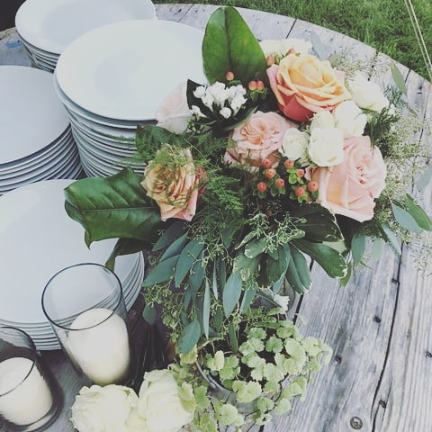 Wedding table floral by  Modern Bloom