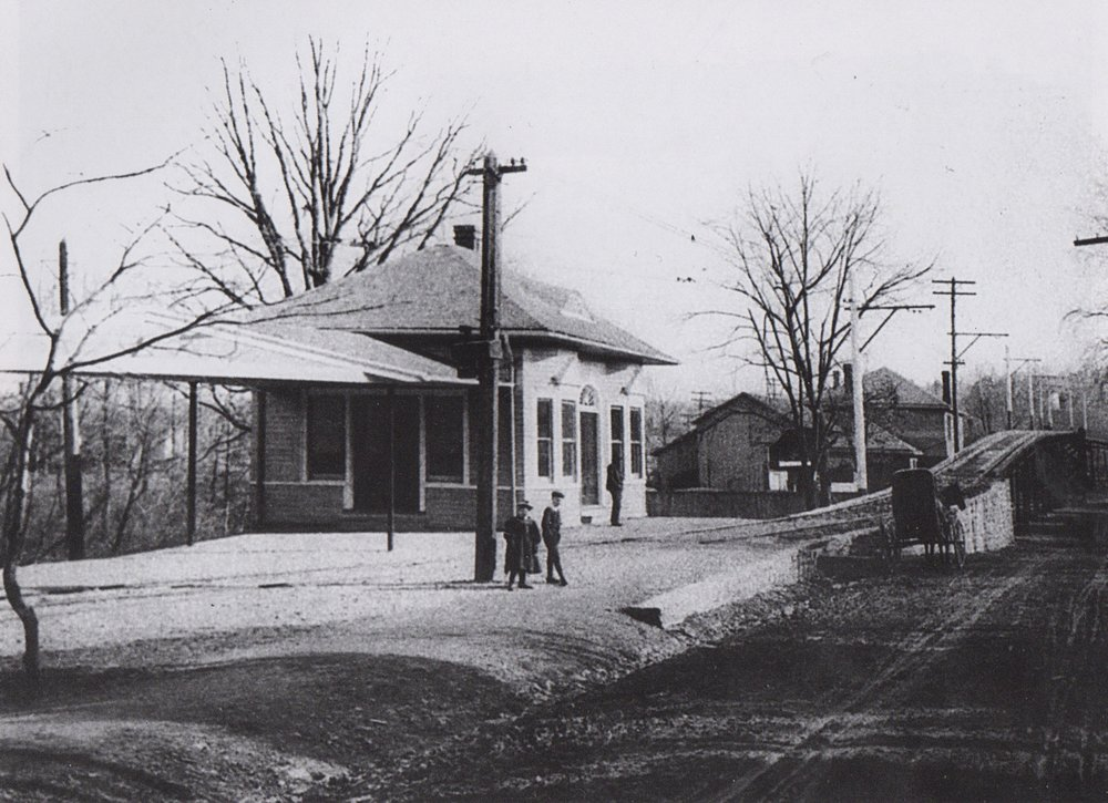 Image Credit: Mark B Miller, 1900, Sulgrave Avenue Waiting Station