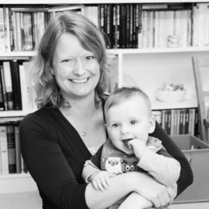JANINE EBLING is a qualified and experienced postnatal Doula in Surrey
