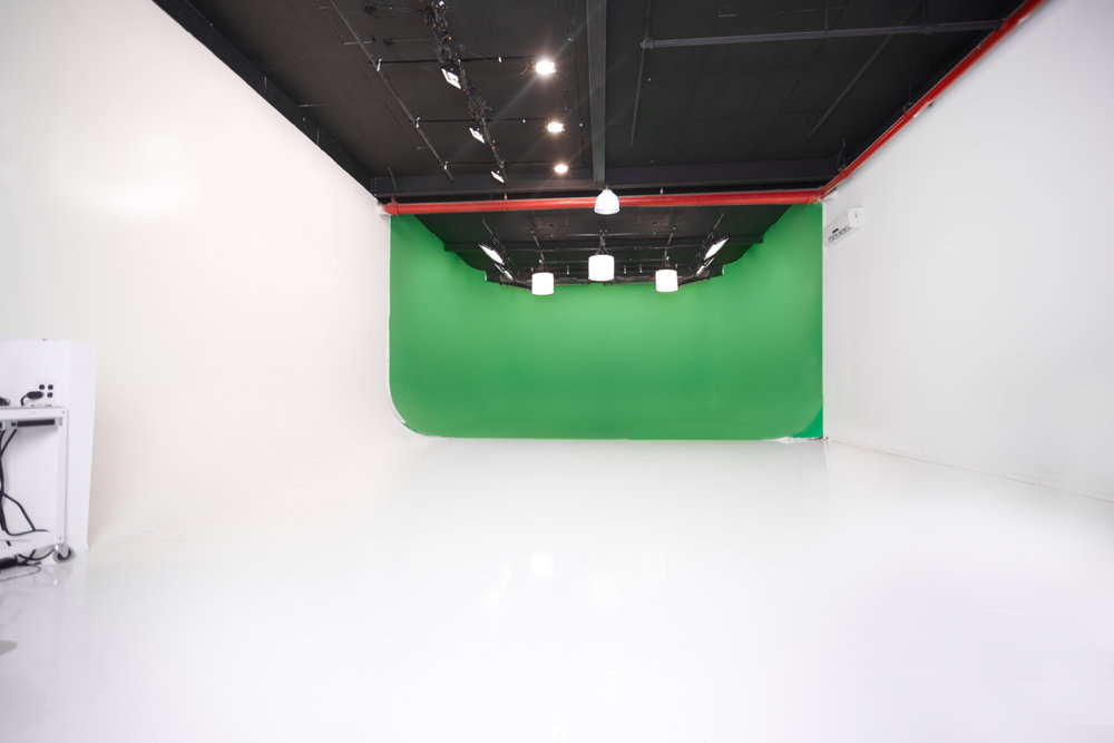 BMJ_Studios_greenscreen_cyc_stage.jpg