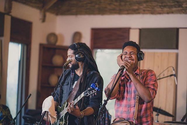 'Legba Blues' will be the second song on the album featuring @__bysh & @jeancaze #Rasanbleman 📸 @hrmarsanphoto  Shirt by @fahertybrand  Studio - @artistsinstitutehaiti