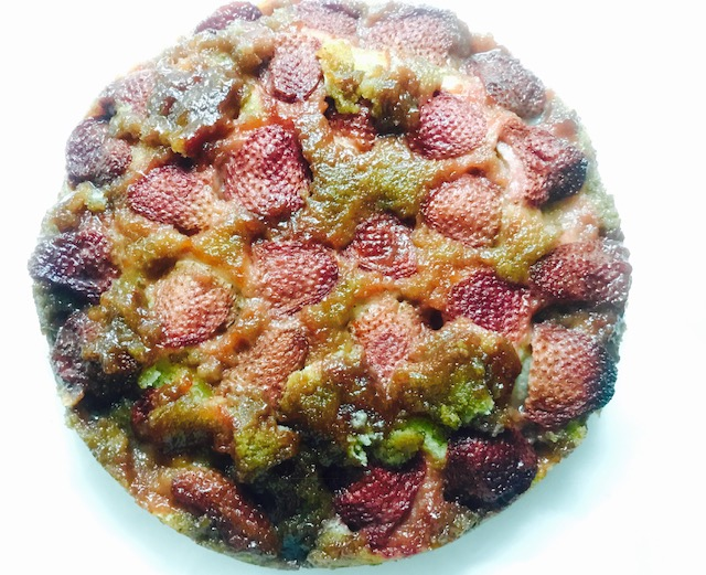 Full-Size-Strawberry-Upside-Down-Cake.jpg