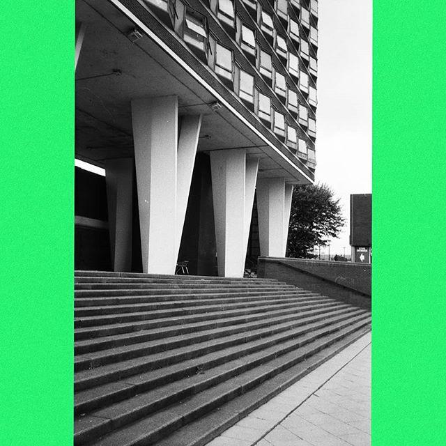Shopping cart(†) in the town centre(‡). † abandoned ‡ abandoned  #bw #blackandwhite #35mm #film #photography #konica #af3 #ilfordfp4 #socialrealism #timecapsule #brutalism #urbanplanning #townplanning #newtown #gardencity #utopia #dystopia #greenbelt #urbansprawl #suburbia #statedevelopment #socialhousing #society #silkingrad #neuetowngrotesk #newtowngrotesk
