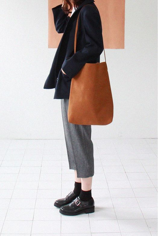 modern leather tote.jpg
