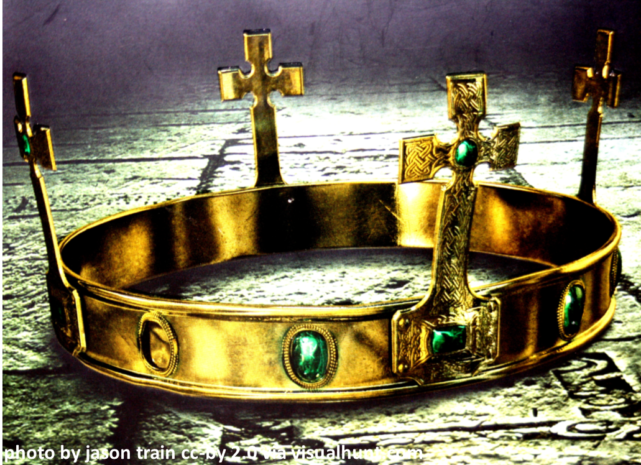 gold-crown-attributed-e1519769736884.png