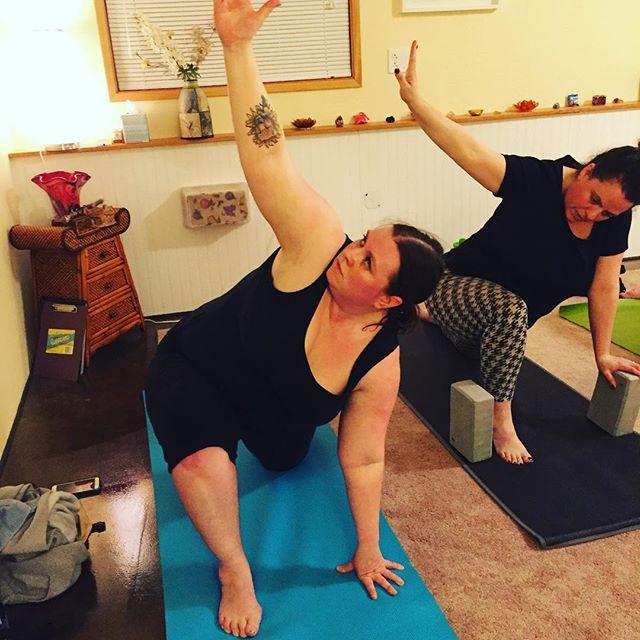 Teaching my lovely students!  #yoga #yogaforeverybody #yogalife #teachingyoga #salkayoga