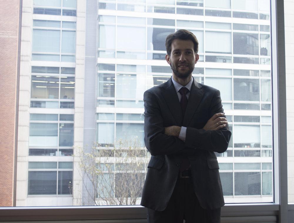 Especialista en:  Derecho Civil, Comercial, Responsabilidad Civil y del Estado y Derecho administrativo.   Idiomas:  Español e inglés