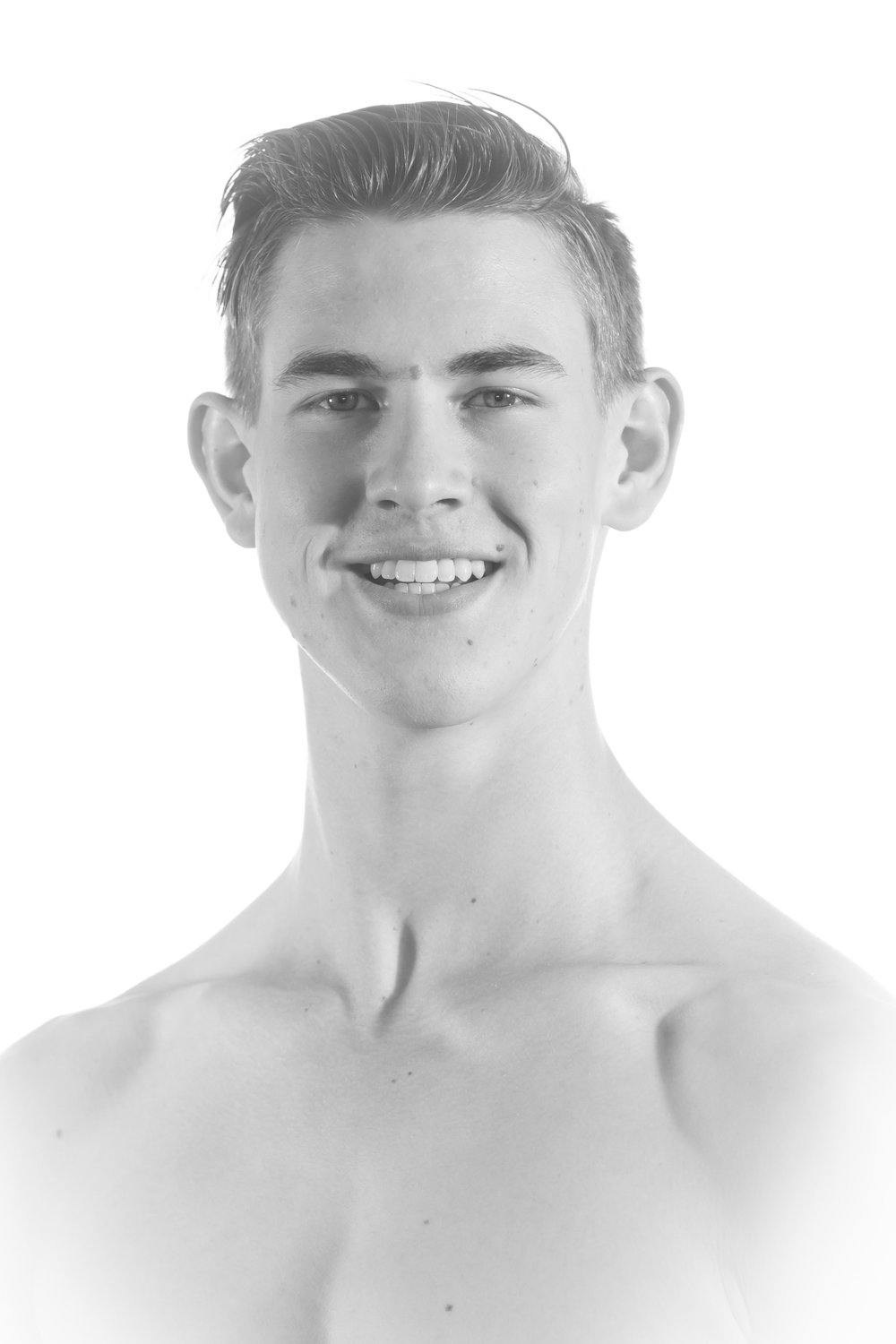 David Sims Junior Artist   David joins us from Moss Vale, New South Wales Australia this year, in his first professional position. He began his training with Angus & Lucinda's Academie de Danse. Where he completed his Advanced Diploma of Dance.  He then furthered his training internationally at Jeune Ballet D'aquitaine in Bordeaux, France for 2 years. Before continuing his studies at Ecole superieure de danse de Cannes Rosella Highwater.    We are excited to have him back in Australia to commence his career with us here at Melbourne City Ballet.