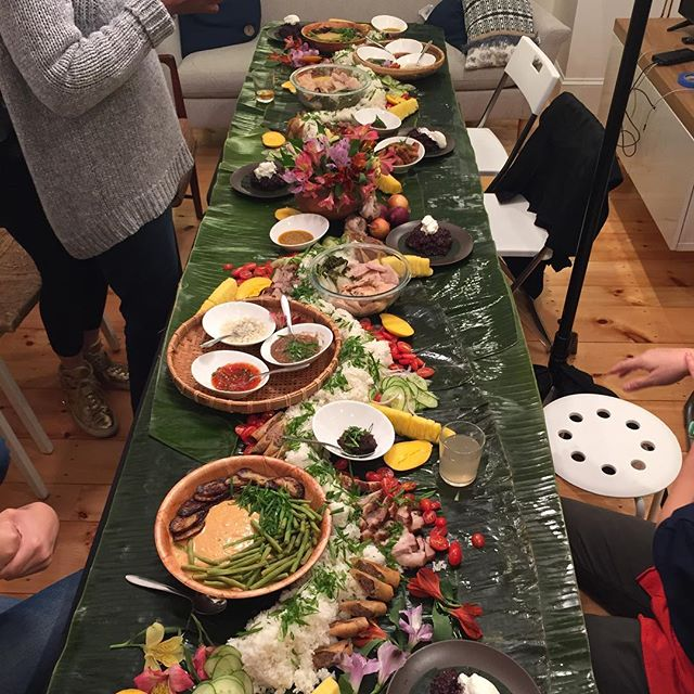 Captured by @supernormal.io designer, Elizabeth Christoforetti. Send us a ✨if you'd like us to set a table like this for you soon! Holiday party anyone? #filipinofood #kamayan #gamatan #boodlefight #boston #cambma #somerville #picoftheday #bostonfoodies #instafood #photooftheday