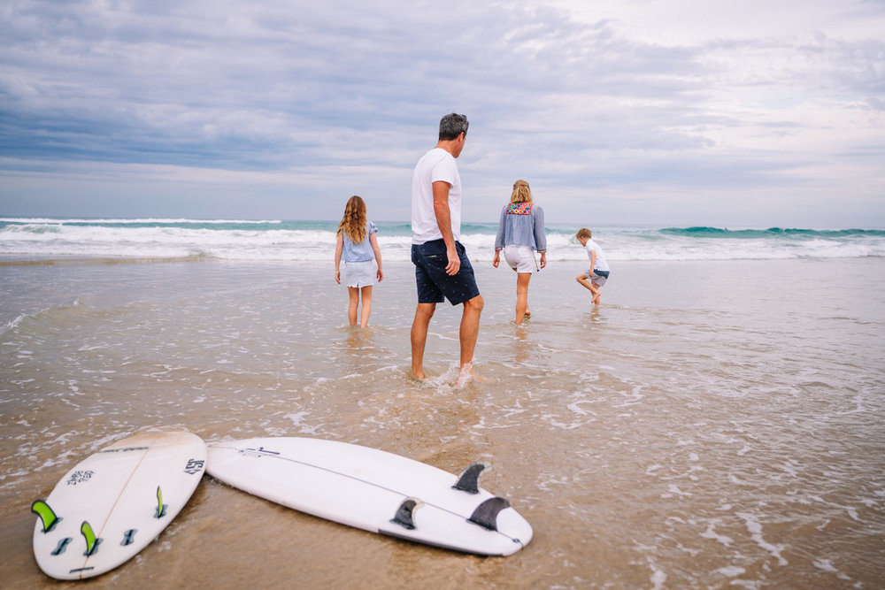 Website-Banner-Image-Family-Surf-Look-Away-2018-07.jpg