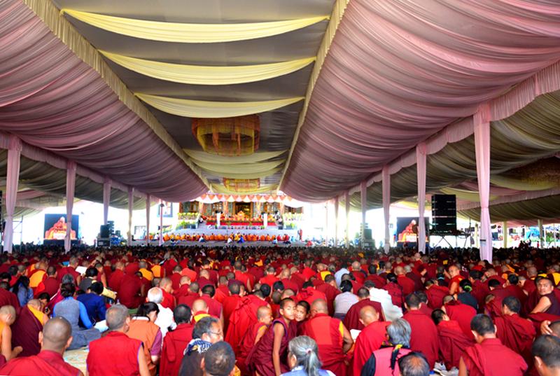 Tibet-HHDL-Lamrim-Bylakuppe-2015.jpg