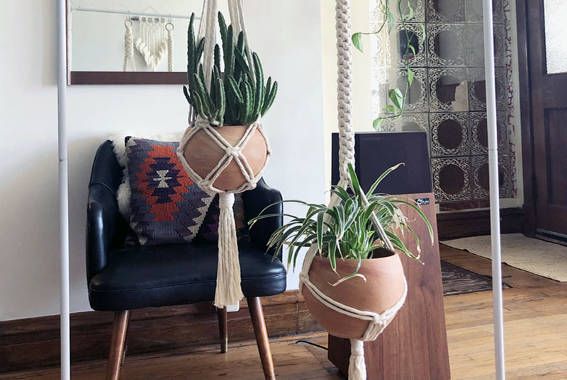 plant_hanger_macrame_workshop_dabble_chicago.jpeg