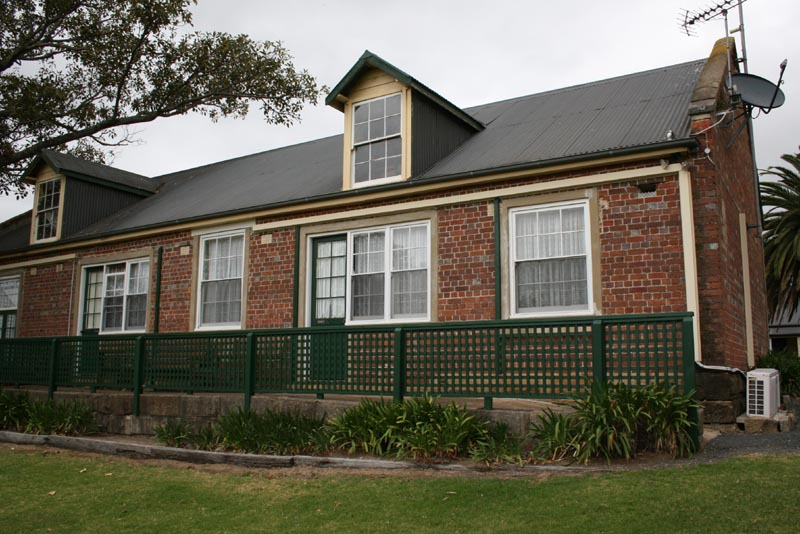 The Stables - Housing the famous horses of the colony including Jerry Bailey and Sellem and frequently housing the first Melbourne Cup winner Archer, The Stables have been meticulously restored and converted into five charming village rooms.