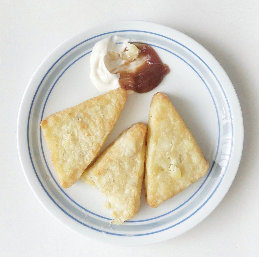 Nem csak a zsíros ételek, hanem a fölöslegben bevitt szénhidrátok is növelik zsírraktárakat. -