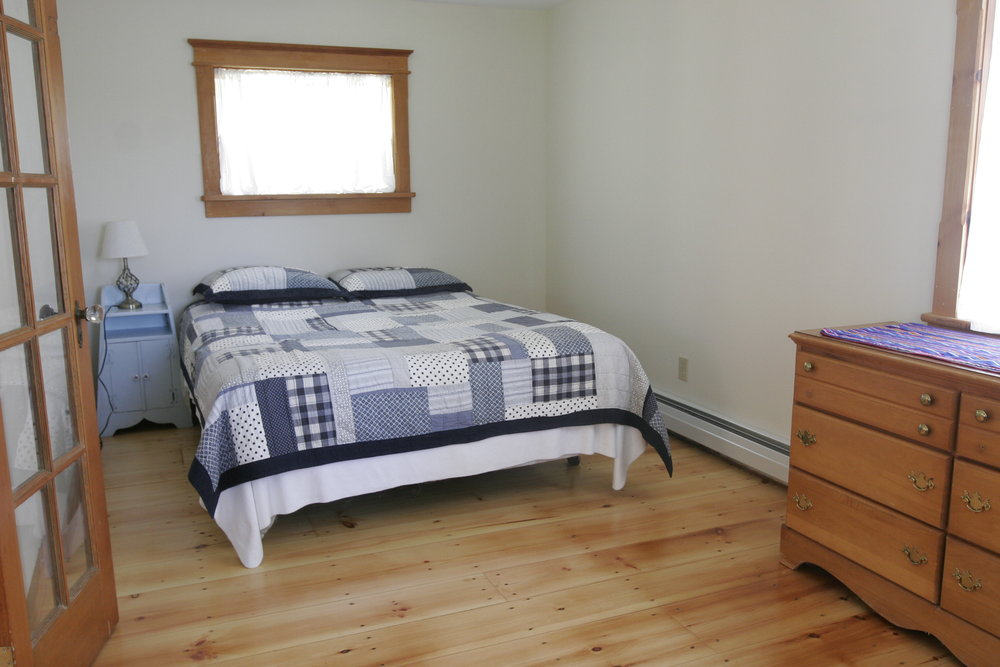 Pond House-Downstairs Bedroom.JPG