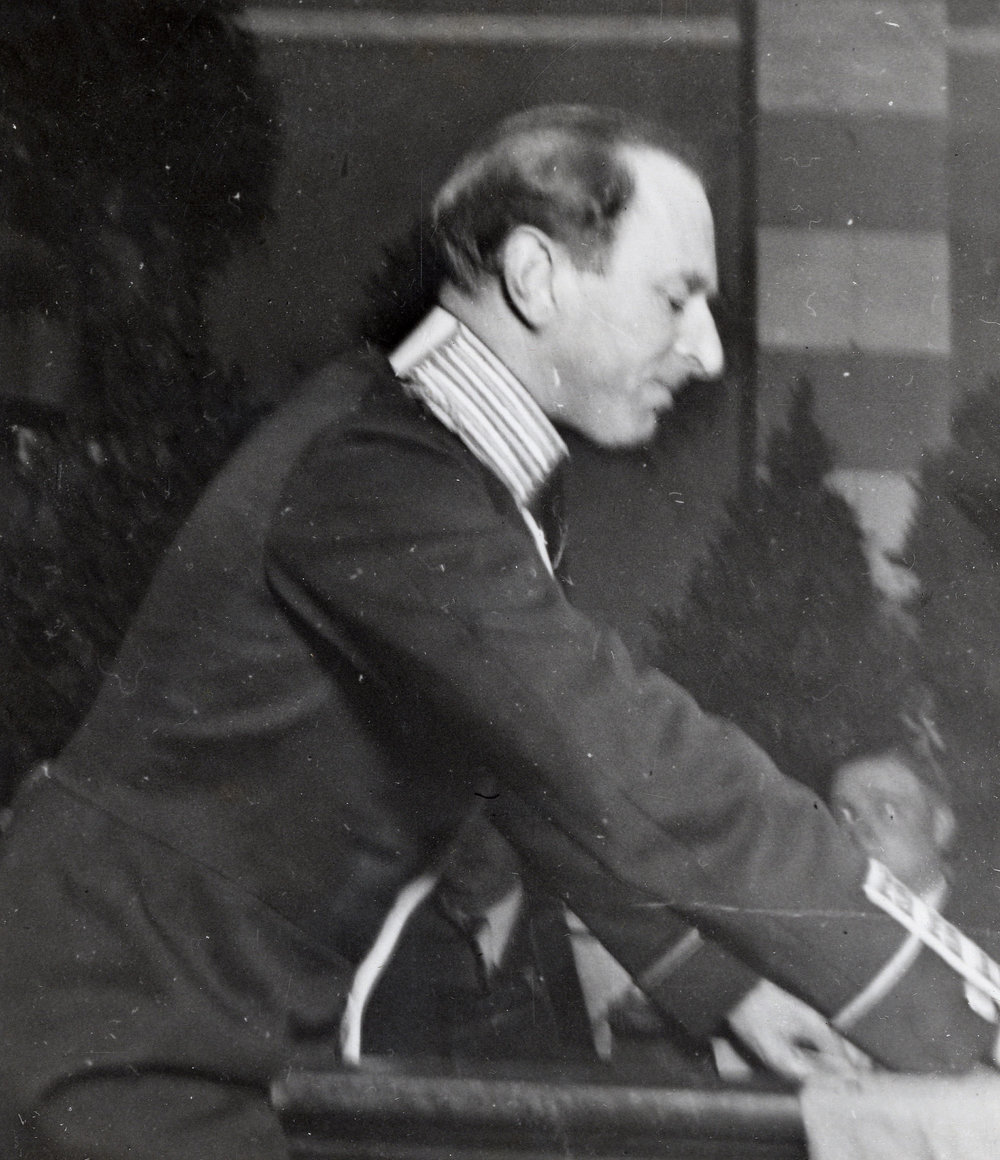 Ivar af Sillén håller sitt anförande på välgörenhetstillställningen den 2 februari 1935.
