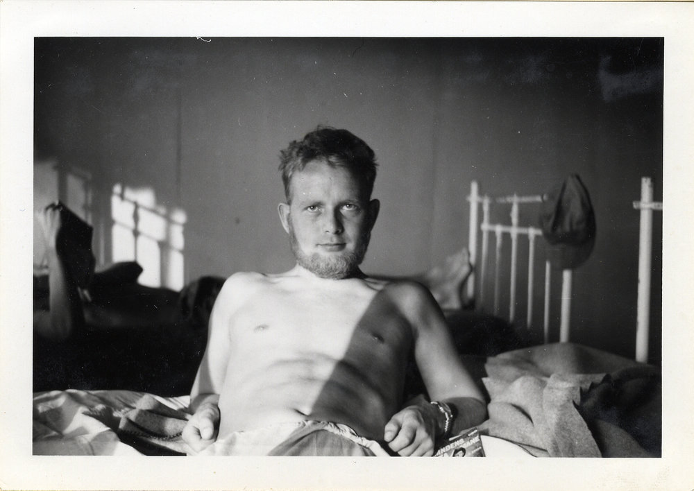 """""""Även jag på sjukan för yxmage"""". Lars Frost drabbades av dysenteri under sin tjänstgöring. Bataljon XII."""