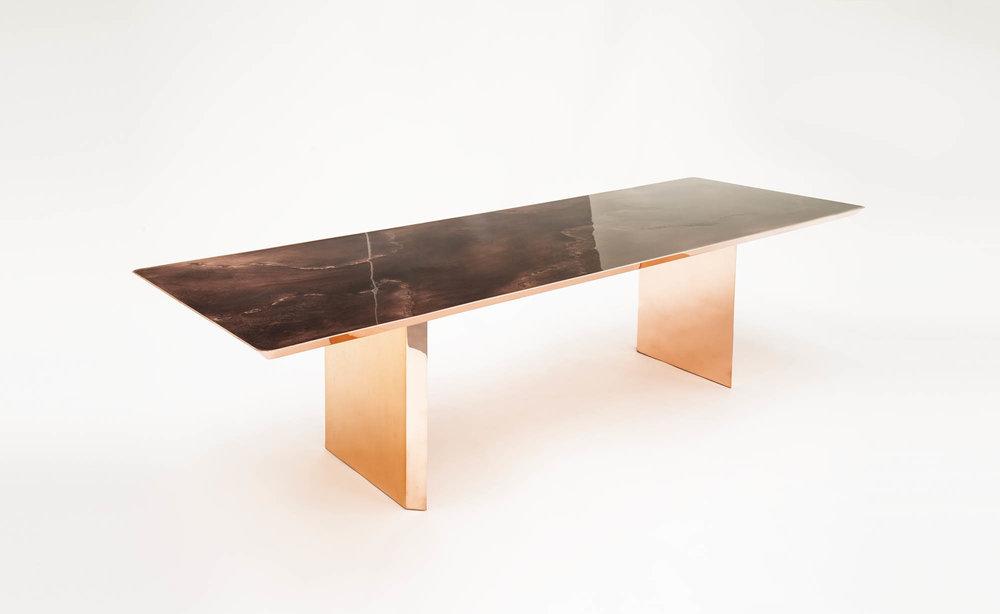 bu_00970_paralellogram_dining table_white_A.jpg