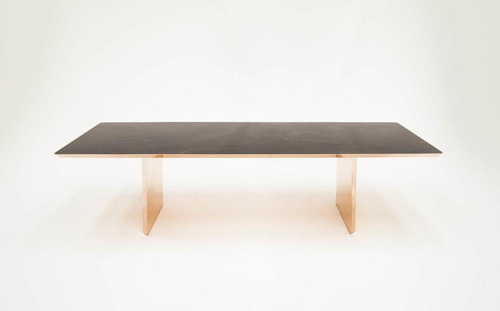 bu_00970_paralellogram_dining table_white_C.jpg