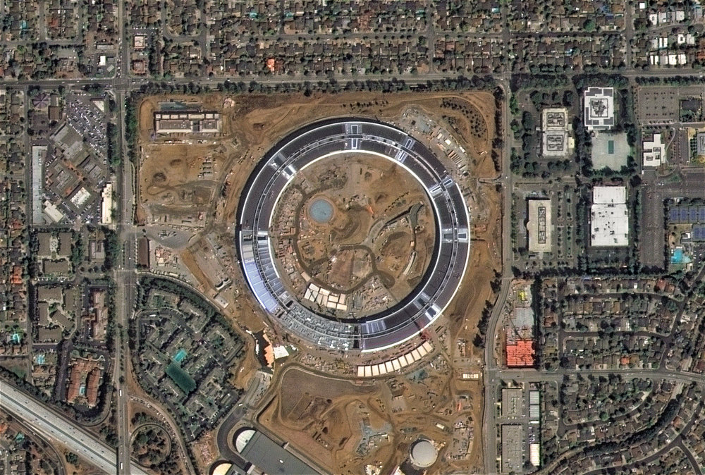 DE2_20160910_Apple Park, Cupertino, CA, USA.jpg