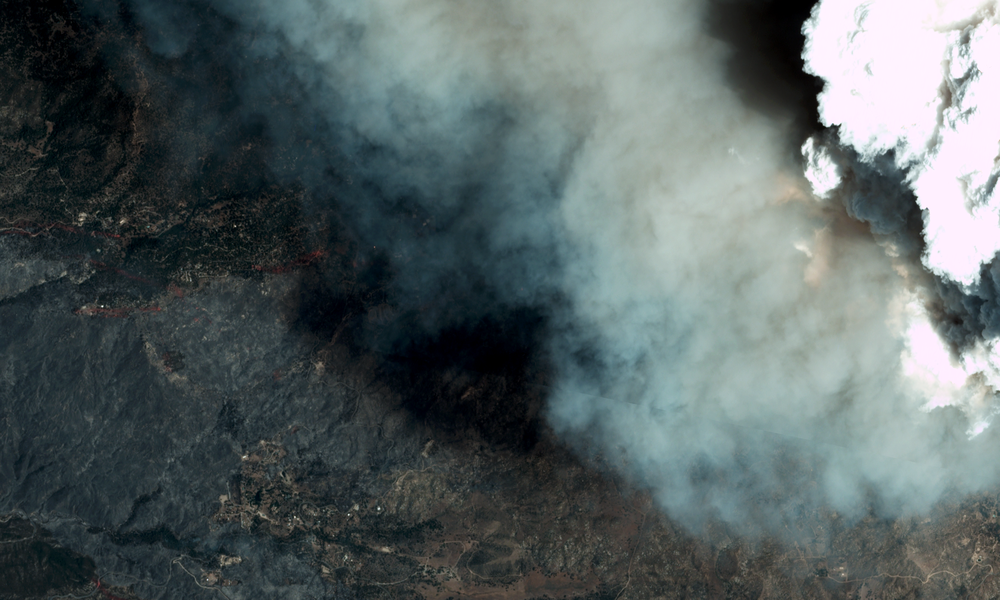 The Cranston Fire burns over Idyllwild, CA.Image courtesy of Planet Labs, 7/26/18 17:58 UTC.
