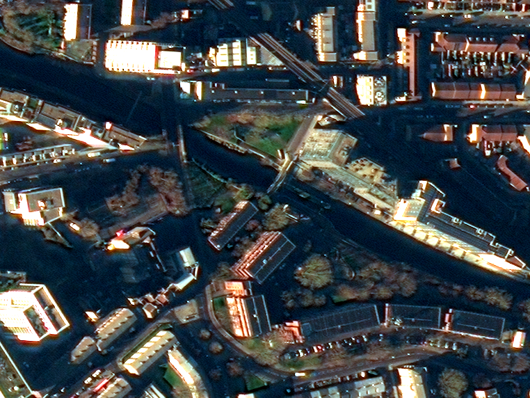 london_canals_1_wide_crop_2_1.png