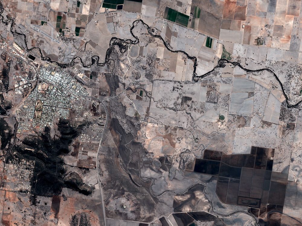 Image courtesy of Planet Labs, 8/28/18 00:44 UTC.  Coordinates 31.00 S, 150.30 E.