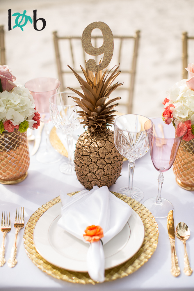 tropical-elegance-hawaii-inspired-wedding-03.jpg