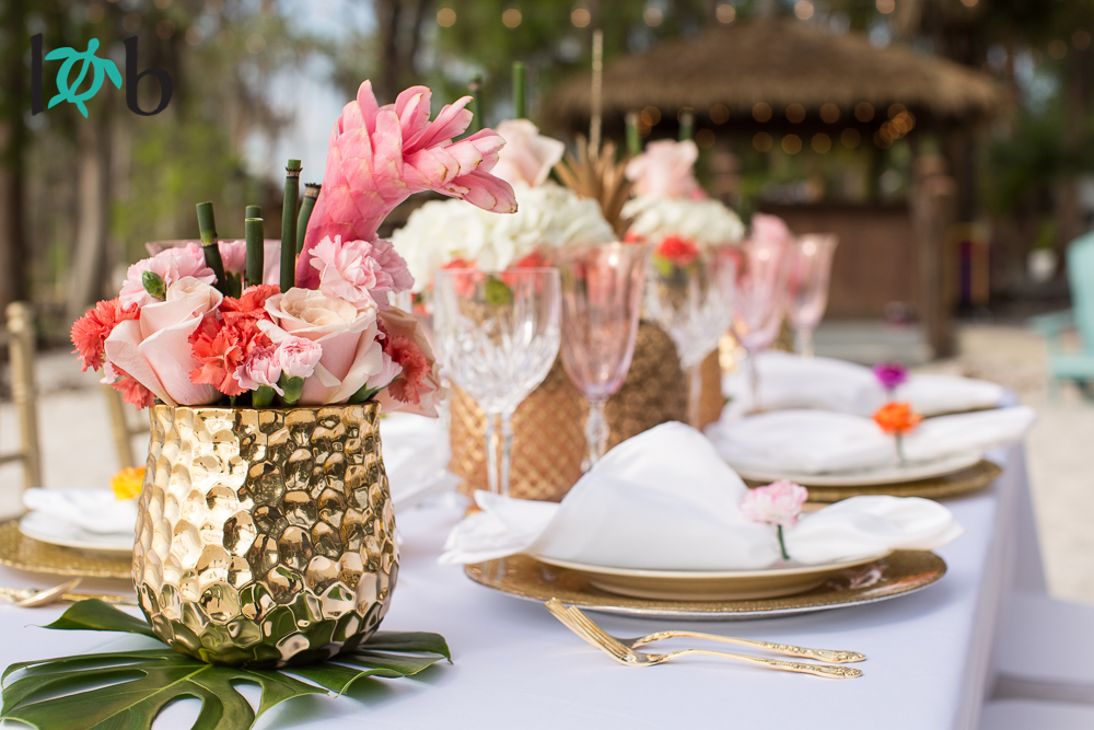 tropical-elegance-hawaii-inspired-wedding-04.jpg
