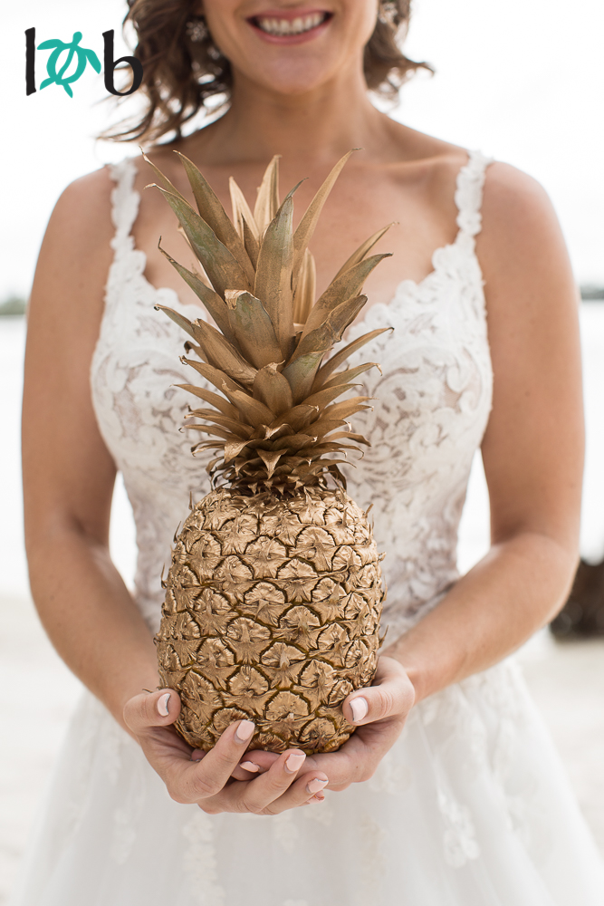 tropical-elegance-hawaii-inspired-wedding-10.jpg