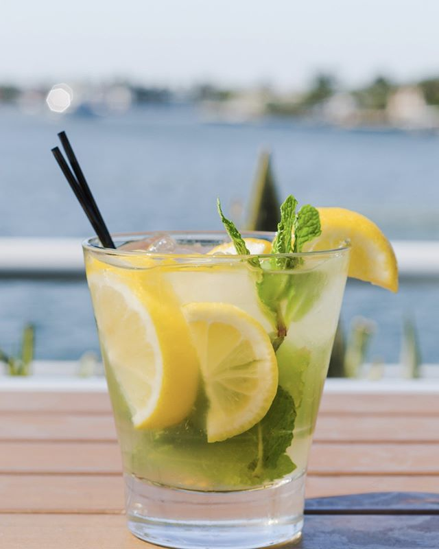 The Derby Lemonade is so refreshing. It's made with freshly squeezed lemon juice and mint. Grab your friends and meet me here to start the weekend early. #DrinkLocal #FollowTheFlock #FortLauderdale