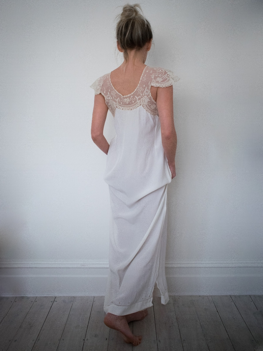 The virginia nightgown on sale in   Chiffe Boutique