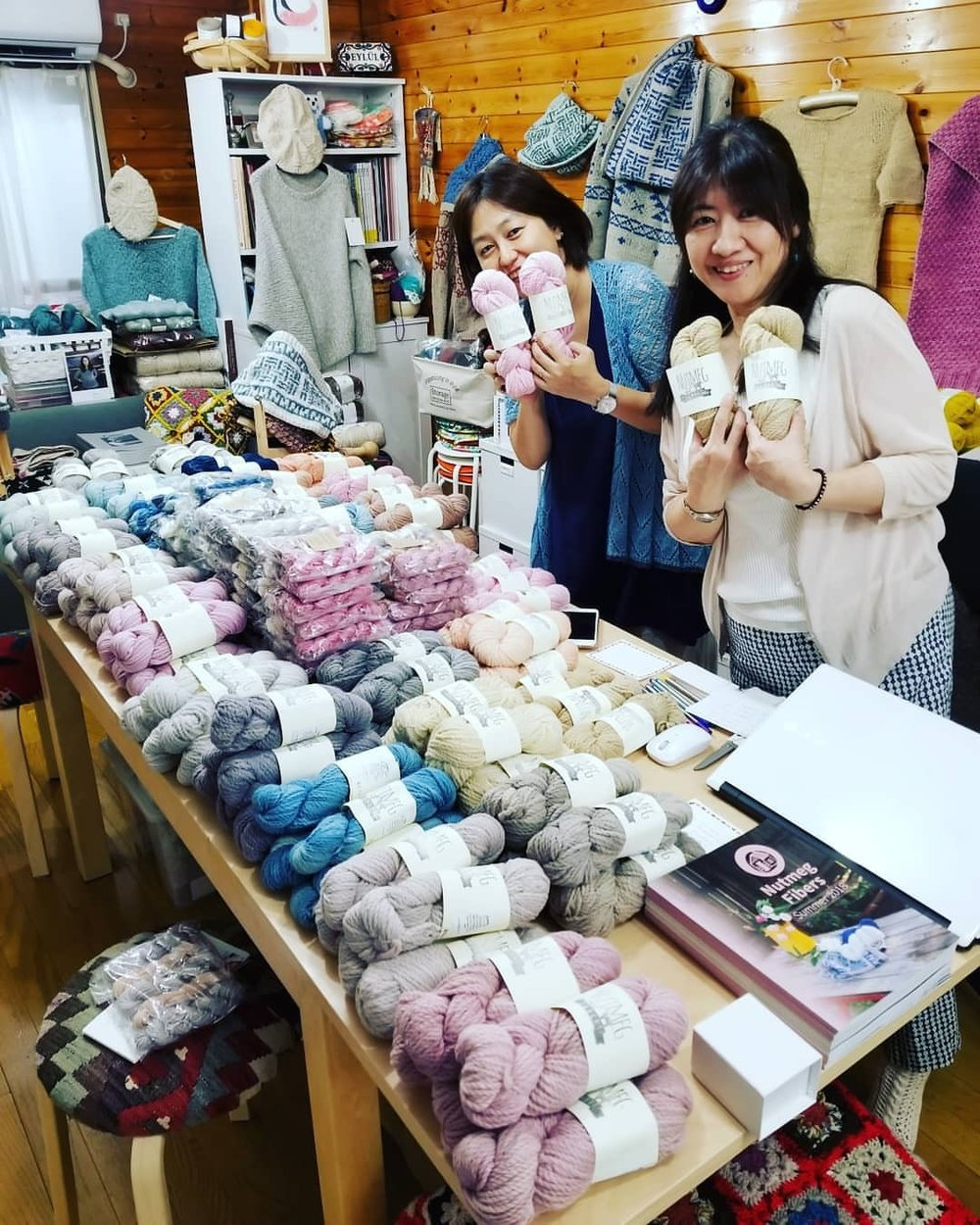 All set up for tomorrow's trunk show at @eylulkilim here in Osaka!!! We're all still a bit jetlagged, but so happy to be here! Can't wait to meet some new fiber friends tomorrow!! #nfsummer2018 #knittersofinstagram #worldwidefiberfriends #編み物 #osaka #손으로만들다 #手製の  (at Osaka)