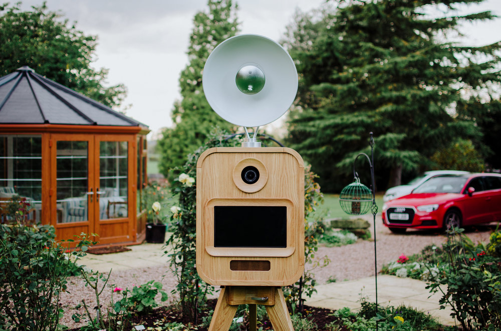 Made You Look luxury open air photo booth worcestershire west midlands Mid View Garden Car