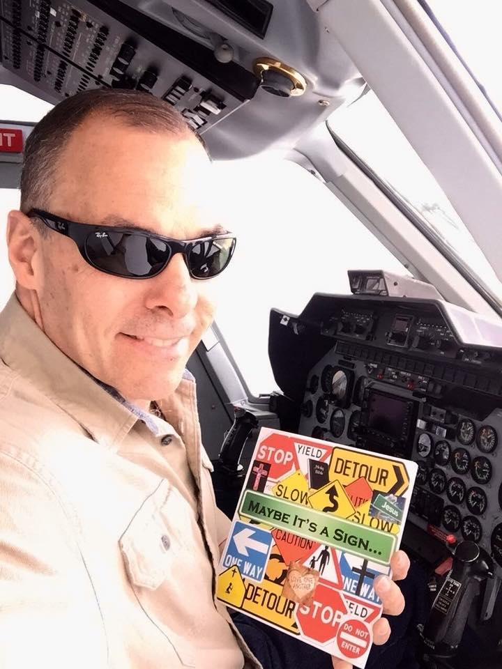 pilotbookselfie.jpg