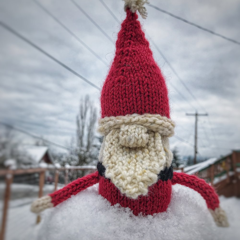 CURRENT CLASSES & EVENTS - Santa's WorkshopDecember 19 & 21, 5:00pm-7:00pm | no chargeWhether you're working on last-minute gifts or holiday ornaments, let Yarn Folk be your place to work among friends!Project CircleDecember 28, 5:00pm-7:00pm | no chargeJoin us to work on your longer term projects.Yarn Folk will be closed December 25th and January 1st.Info on January Sweater KALs next week!