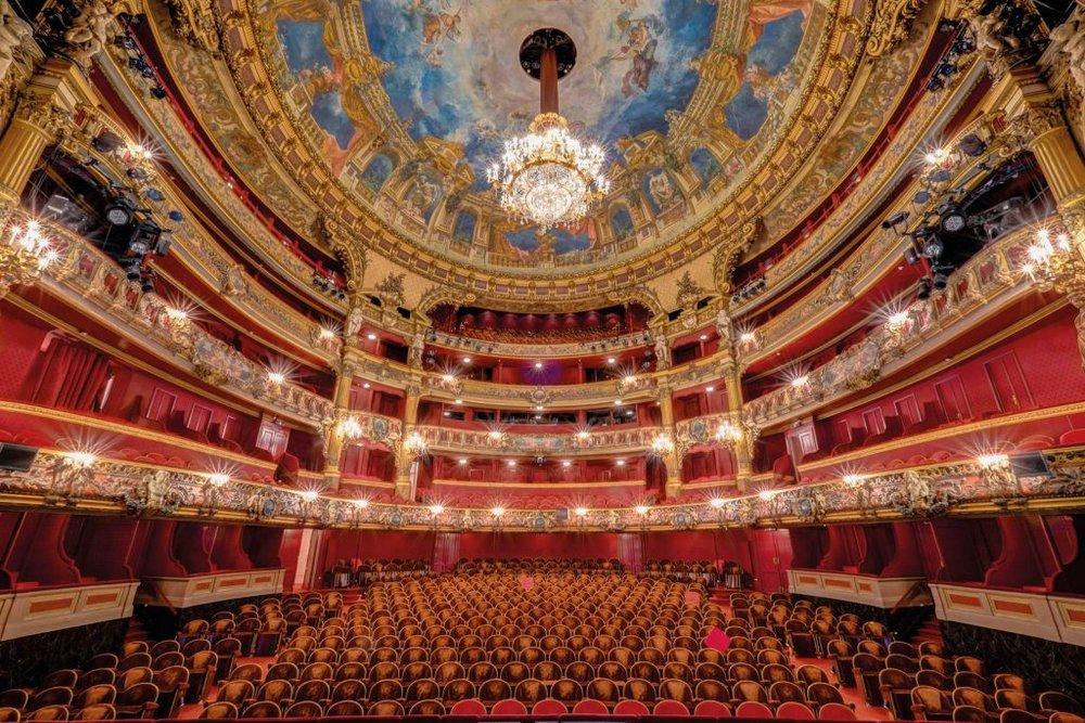 La Monnaie, Bruxelles - Situé sur la Place de la Monnaie en plein centre de Bruxelles, le théâtre royal de la Monnaie propose une sélection variée d'opéras, danse, concerts, et récitals de renommée internationale. Érigé en 1700, il est doté d'un passé riche qui font du bâtiment l'un des lieux incontournables de la ville de Bruxelles.