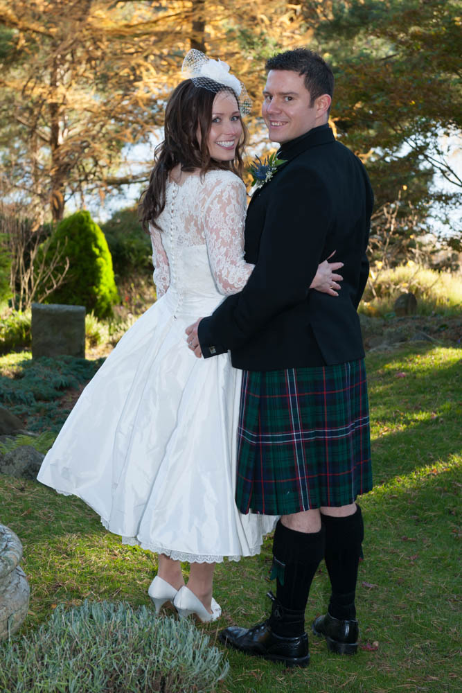 Duddingston-Hub-Edinburgh-Wedding-Photography-0893.jpg