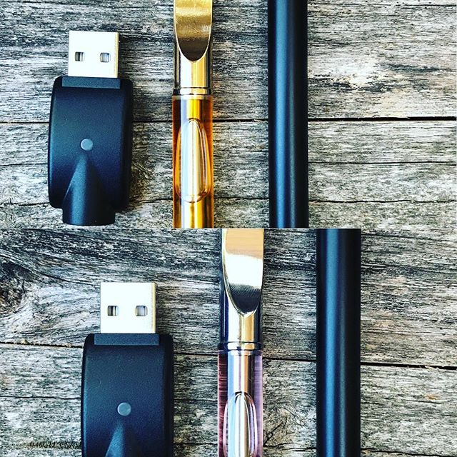 🎺 Full Spectrum CBD & Naked CBD Vape Cartridges, Batteries and Chargers 🎺 ON SALE through the weekend at WALLSWONDERS.COM! . . Our cartridges are filled with 100% PURE CBD tinctures. NO fillers. NO additives. They are also REFILLABLE and made of ceramic and glass! This means you can purchase our top-shelf tinctures and refill your cartridge at home! No more feeling like an a-hole for every disposable cartridge you throw in the garbage! 🙌🏼 . . Launch Sale ends Sunday night! 🏃🏼‍♀️Check out our site for more details. 💞 . . #vape #cbd #cbdvape #vapecartridge #cbdvapecartridge #fullspectrum #nakedcbd #cbdisolate #wallswonders #keepmewherethelightis #shopsmall #shoplocal #handmadeintheusa #handmadeinsandiego