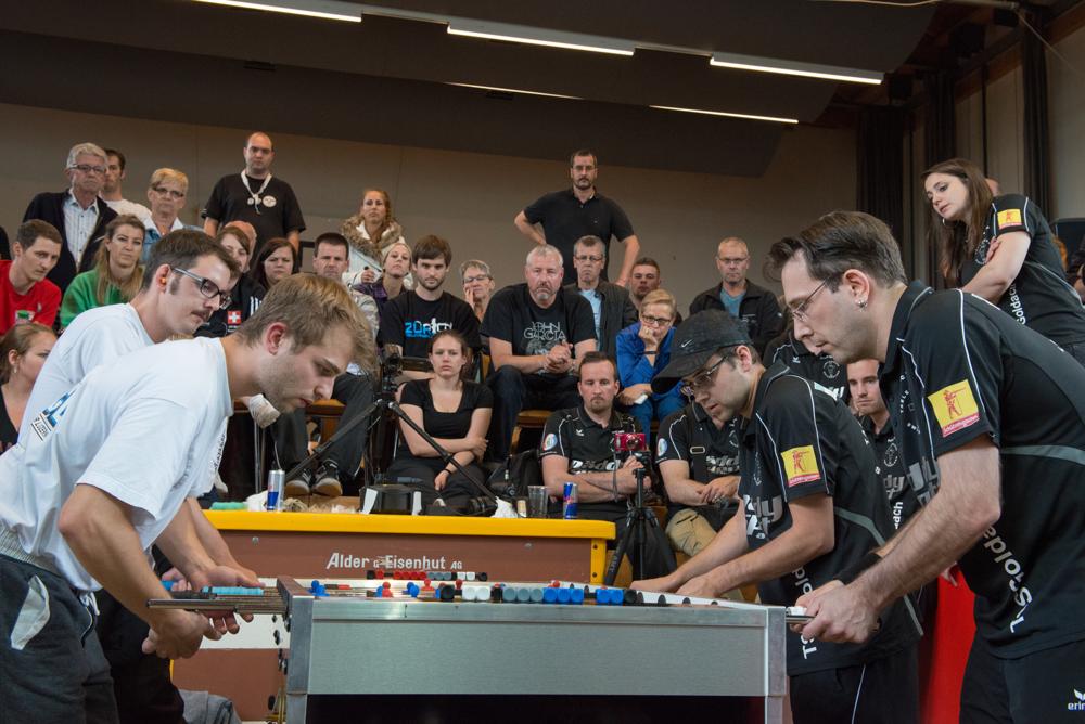 SCHWEIZERMEISTERSCHAFT - Die besten Spieler der Schweiz haben sich für die Schweizermeisterschaft qualifiziert und kämpfen im Damen- und Herren Doppel und Einzel um den Titel. Auch Junioren- und Senioren-Disziplinen werden ausgetragen.