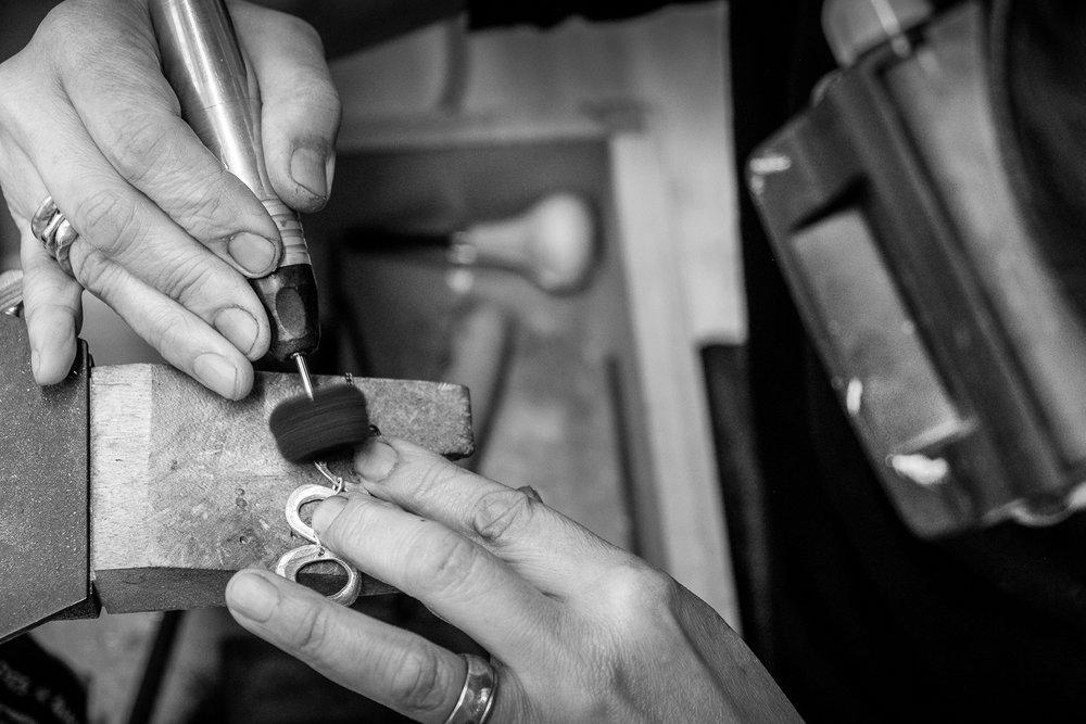 jewellery-polishing.jpg