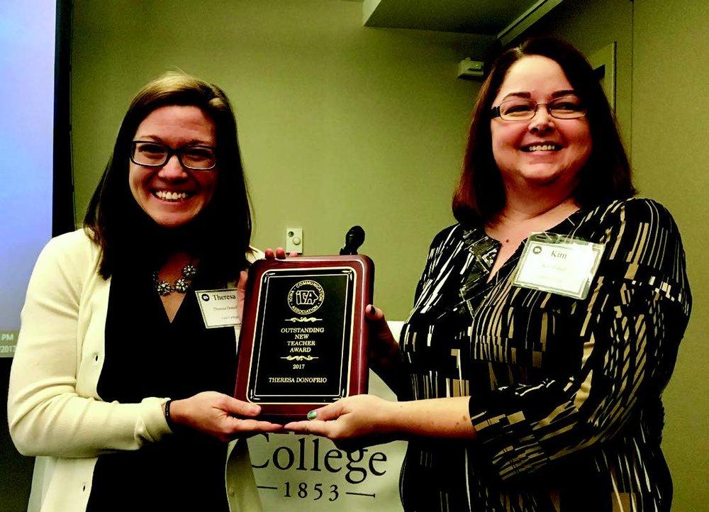 2017 Award recipient Terri Donofrio and ICA Past President Kim Powell