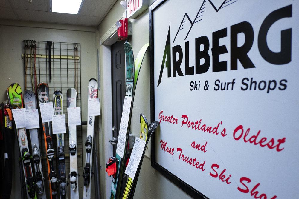 Arlberg-surf_shops_sign.jpg