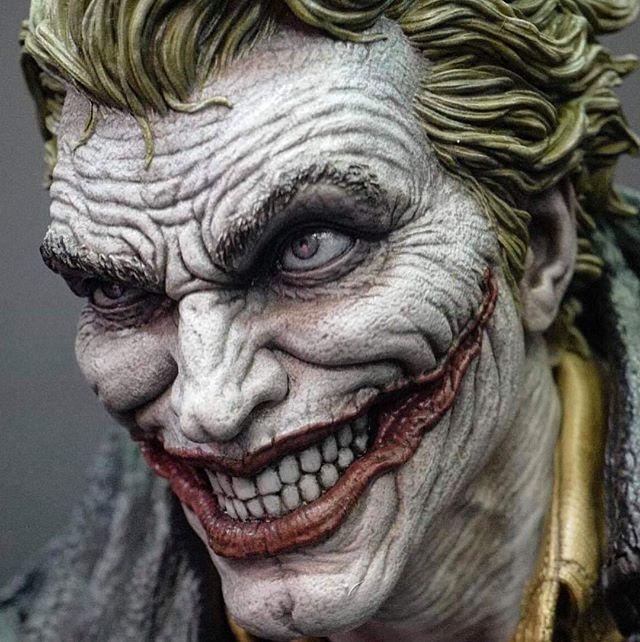 Some pictures of the Joker I sculpted for Prime1 with the awesome design from @leebermejo - Algumas fotos do Joker que eu esculpi para a Prime1 com o design do Lee Bermejo. . . . . . #Joker #DC #Batman #Comics #HQ #3d #Sculpt #collectible #art #statue #prime1 #sculptor #zbrush #digitalart